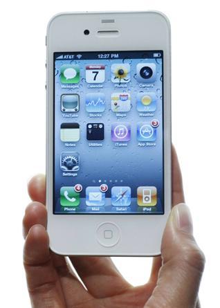 C'era una volta un iPhone 4 bianco … o meglio ci sarà a primavera! (forse)
